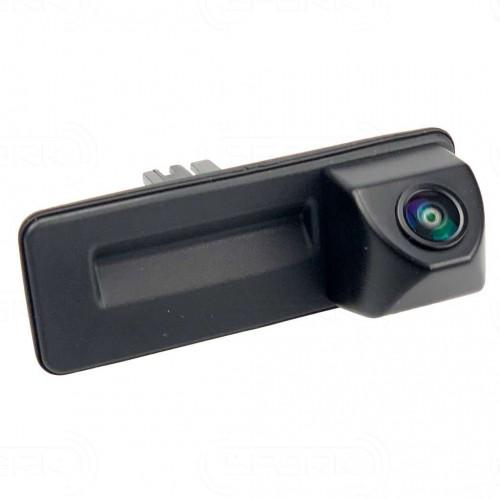Штатная камера заднего вида в ручке сПАРК-SH02H для Skoda Fabia